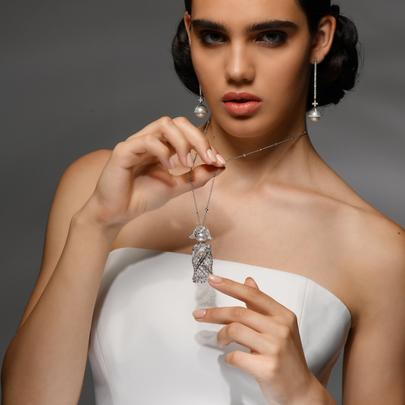 Nelson Pendant in White Gold with White Diamonds & South Sea Pearl  NELP6.04.16 Sybarite Jewellery - image 2