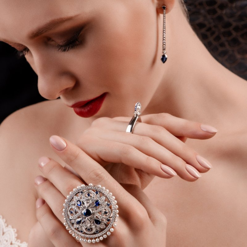 Dancing Doll Ring in White Gold with White Diamonds, Sapphires and Pearls DDR5.04.10.22 Sybarite Jewellery - image 5